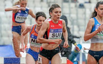 Elena Adelina Panaet , medalie de argint la 3.000 metri obstacole